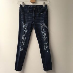 American Eagle 00 destroyed crop raw hem jeans